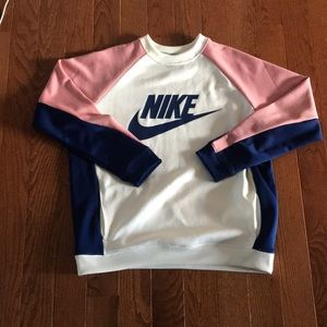 Women's Nike pullover. Size large